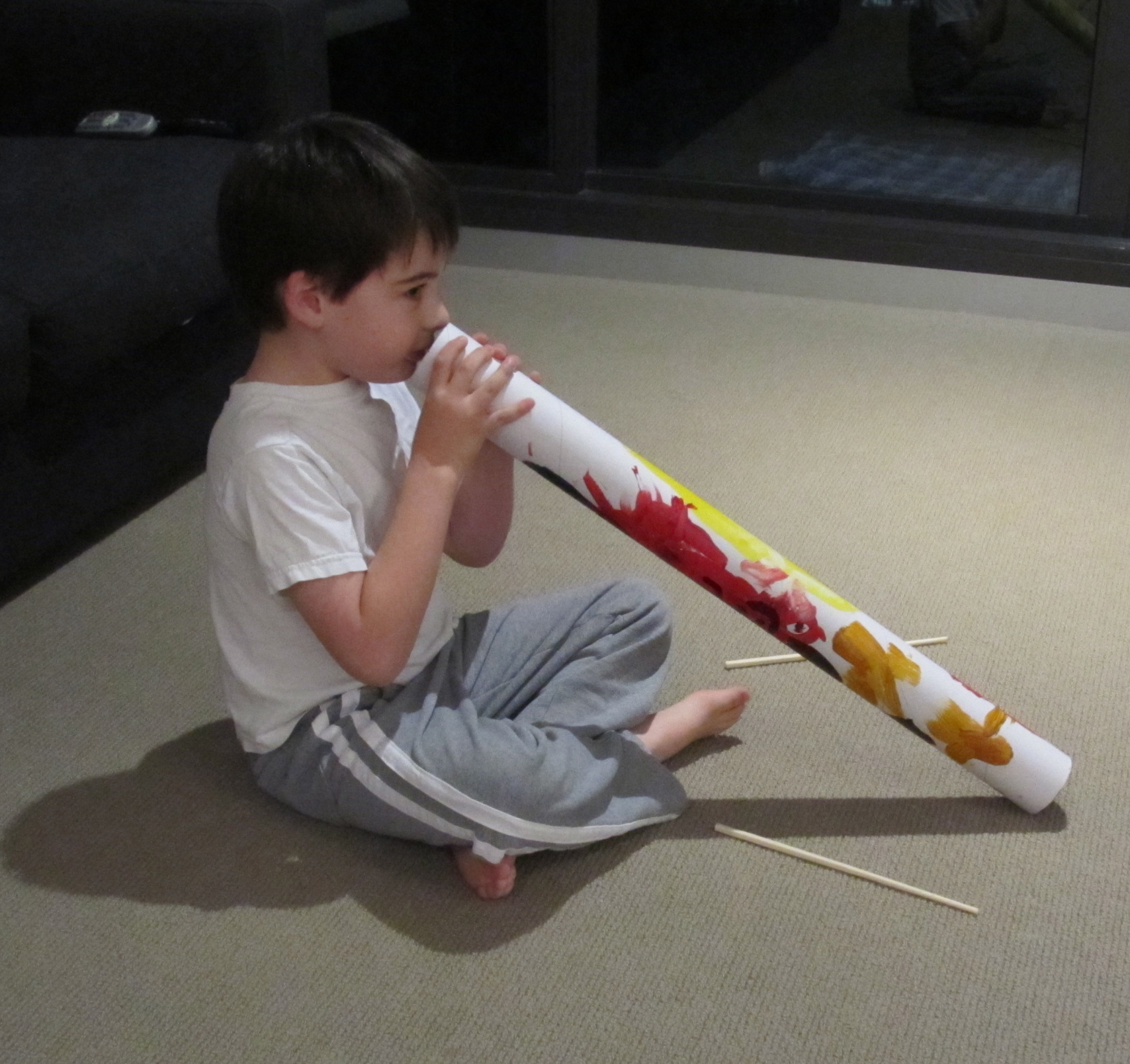 Boy Mama Teacher Mama: Making Your Own Didgeridoo