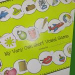 boy-mama-teacher-mama-create-and-play-short-vowel-game-featured